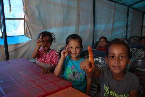مدرسة في مخيمات اللاجئين العراقيين في سوريا