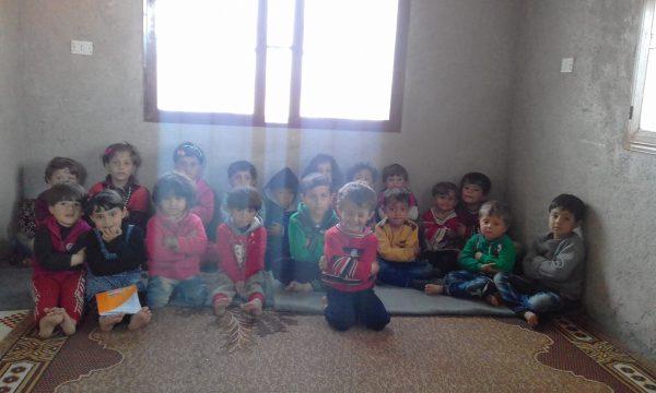 أطفال غرفة الحضانة في حاس تصوير جود مصطفى