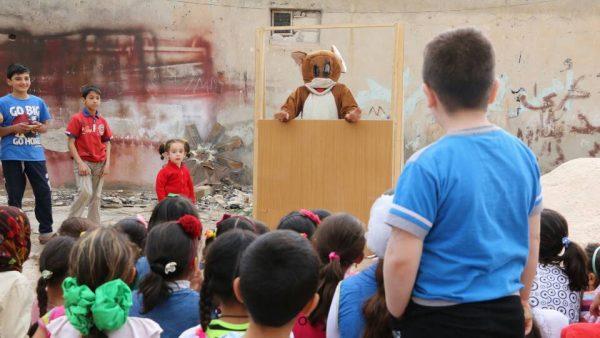 تلفزيون الحارة يعيد البسمة إلى وجوه الأطفال وأهاليهم تصوير سونيا العلي