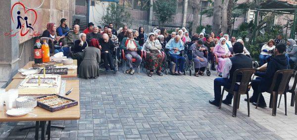 """مسنون في نشاط حملة """"خلي قلبك ع كبيرك"""" - تصوير ندلى الخليل"""