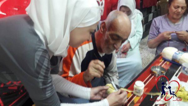 نشاط يدوي للمسنين ضمن الحملة - تصوير ندى الخليل